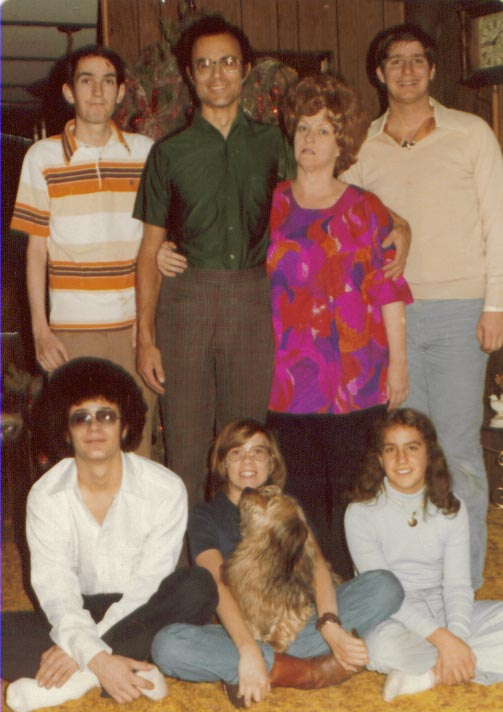 Another rare photo - the only known complete family photo of all of the Kravetz Clan - ca. 1978