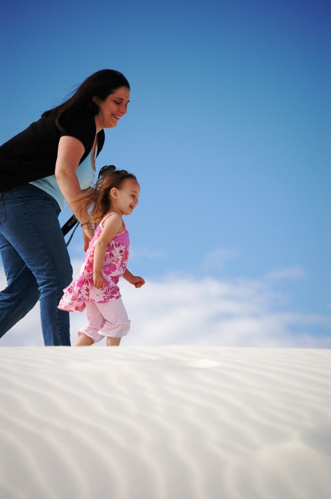 Marissa and her daughter Joselyn at White Sands National Monument in New Mexico